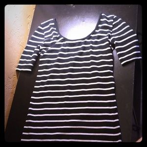 🔴5 for $15🔴Striped scoop neck  top